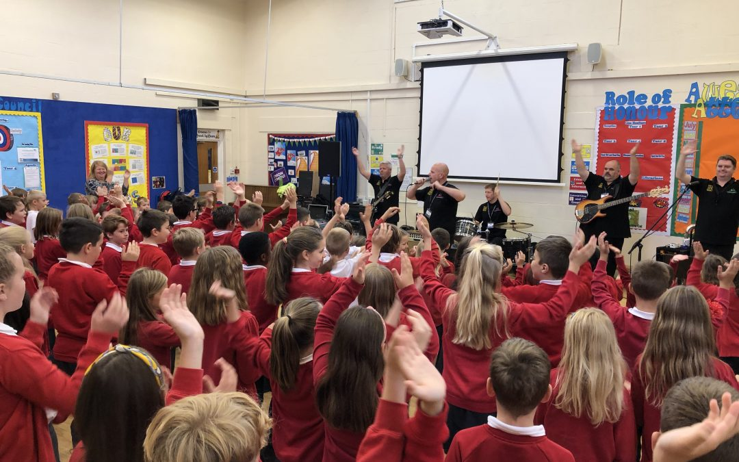 Make Some Noise visits Ysgol Sant Dunawd